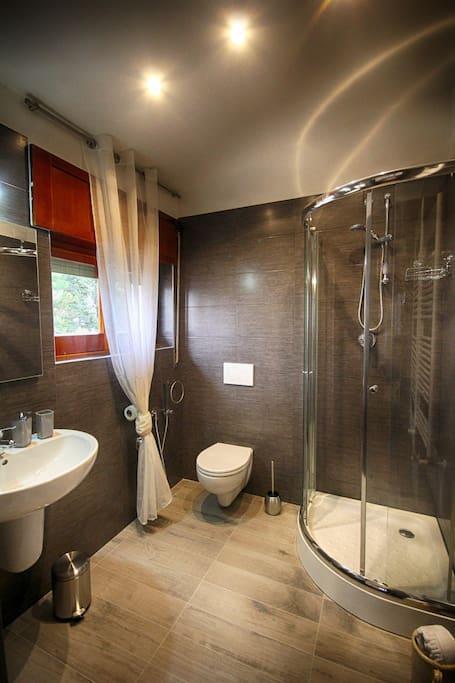 Pop Room's bathroom