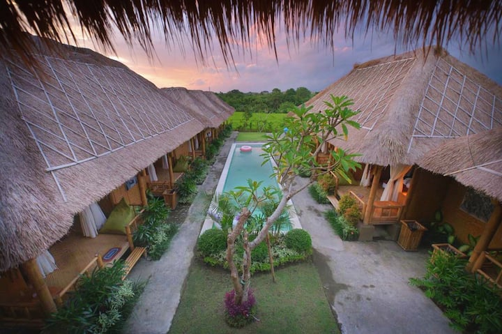 Canggu bamboo bungalow #B in rice fields