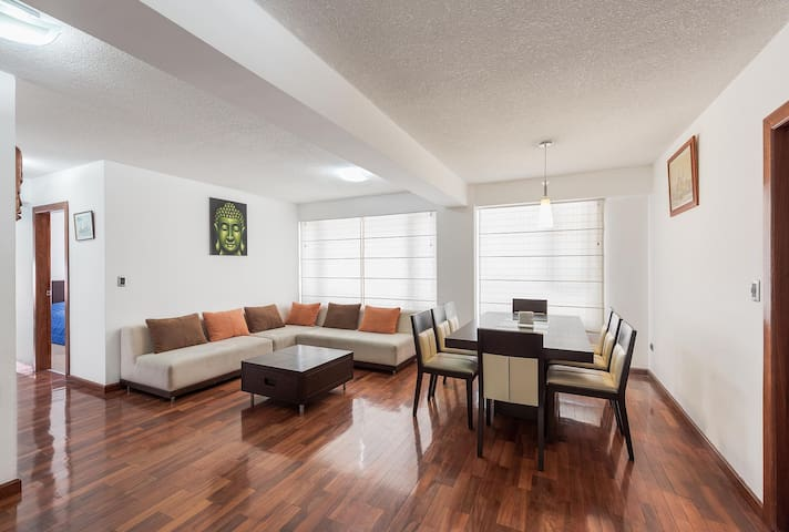 Spacious - Zen & Cozy 2BR- 2 Bath @Great Location - Quito - Daire