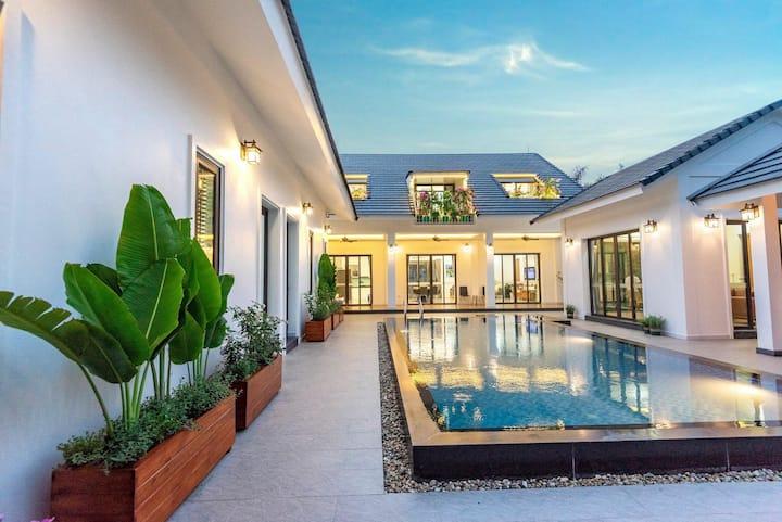 5 bedrooms Villa 5000m2 at Soc Son - Hanoi