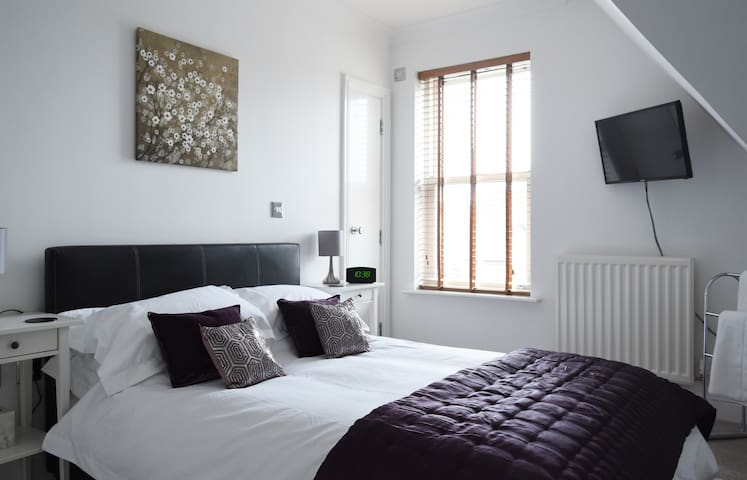 Home from home in the heart of Harborne Village - Birmingham - Daire