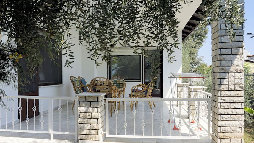 Greek country house to relax and dream