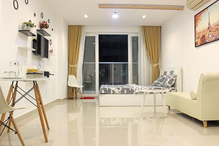 Sky Apartment-Pool-Vincom-Gyn near Airport