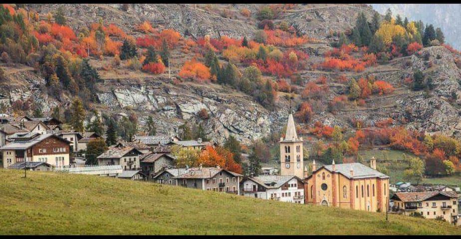 Torgnon con I colori dell'autunno