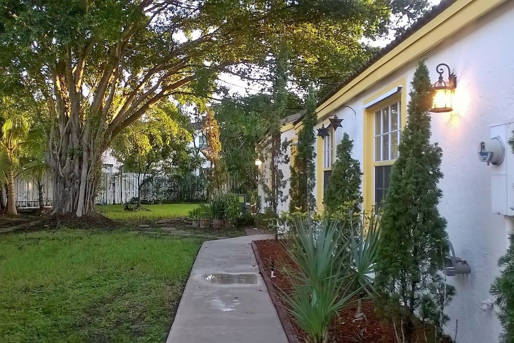 Landscape Borders Pembroke Pines : Home in pembroke pines houses for rent florida