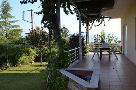 Rodini villa - Patra - Dům