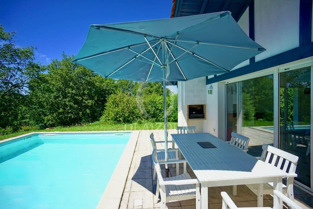 183 le golf en vis a vis piscine et terrasse villas louer bassussarry nouvelle. Black Bedroom Furniture Sets. Home Design Ideas