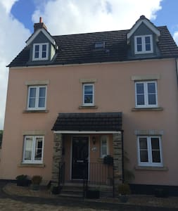 Fab Family Home Minutes to Dartmoor - Whitchurch - Rumah