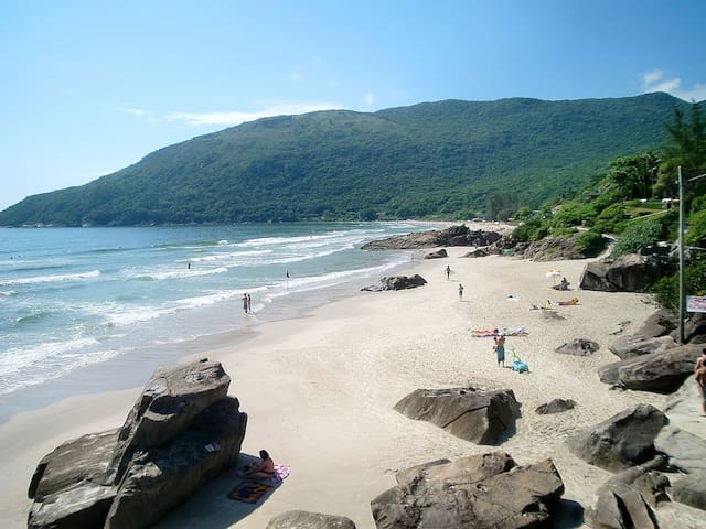 Beach House with Swimming Pool - Florianópolis