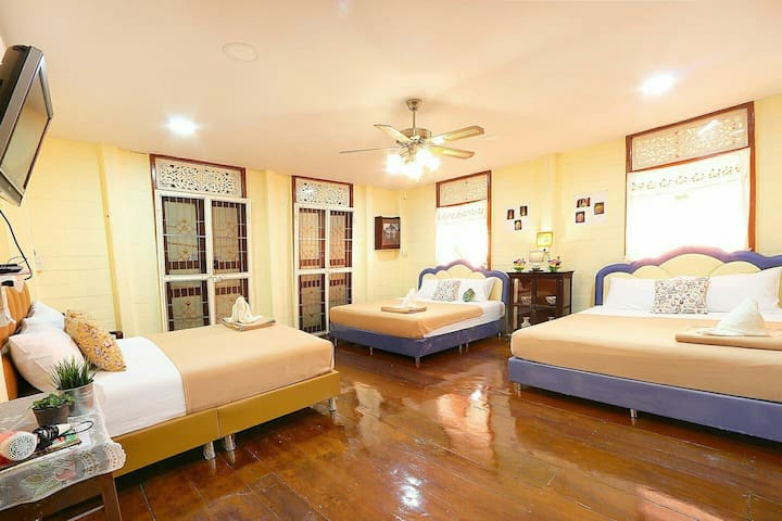 R5 🏠 Big room Private house, terrace near Khaosan