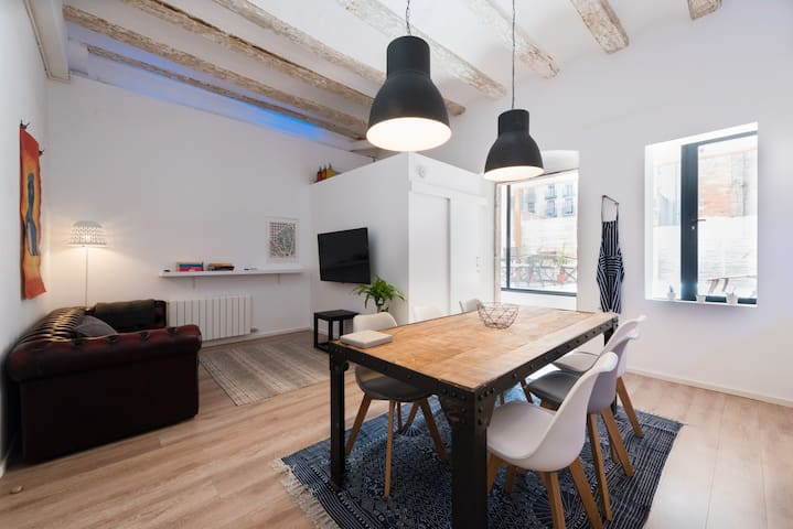 High-end Super Centric Flat with Private Terrace