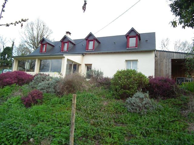 Maison/chambres 24h du Mans - Rouillon - House
