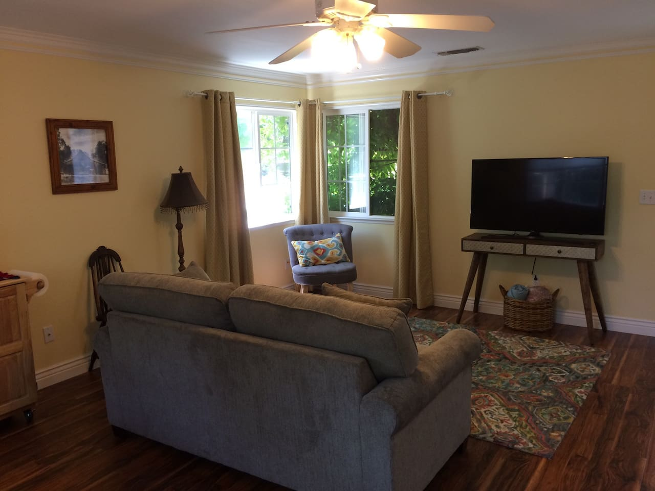 Hummingbird Cottage in Fig Garden - Guesthouses for Rent in Fresno ...