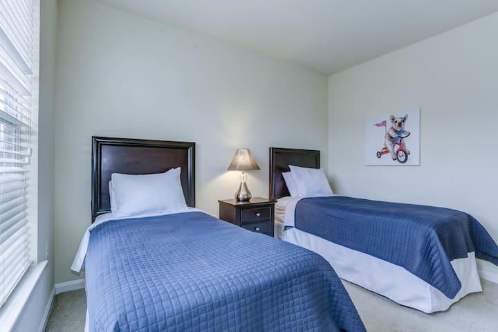 Comfortable Herndon 3-bedroom apartment