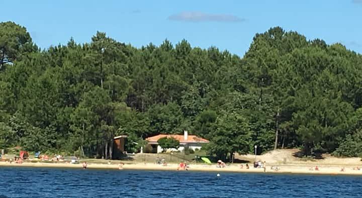 La maison du Lac à SANGUINET  ***