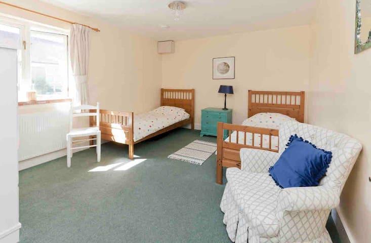 """Rigpa"" bedroom (bed 2)"
