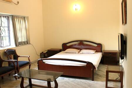 Relaxing peaceful abode in Raichak | 2 bedrooms