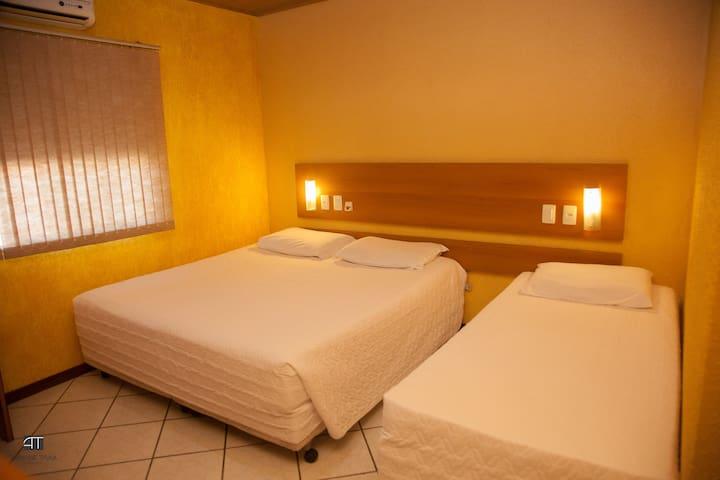 Suite - cama de casal + cama de solteiro