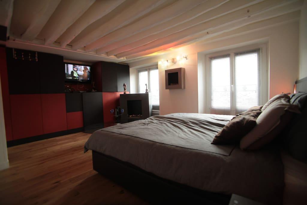 Grande chambre un grand lit 190 ou 2 lits de 90 frigo
