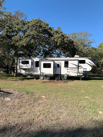 Private AirBNB 43 ft fifth wheel