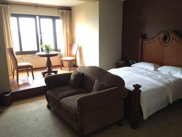 象山城区中心,湖光山色的小半山独栋别墅,配套齐全 - 宁波市 - Villa