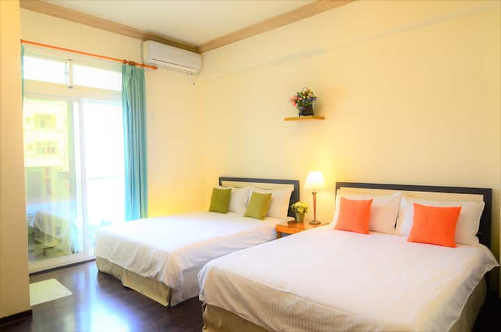 Near Train Station- double Bed  Room