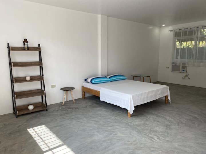 Clean and spacious bedroom with en-suite bathroom