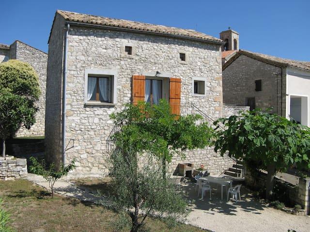 Maison traditionnelle en pierres - Orgnac-l'Aven - Casa