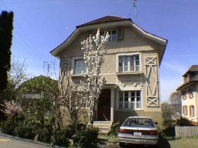 Wanderer, kommst du nach Dornach .. - 4143 Dornach - Apartamento