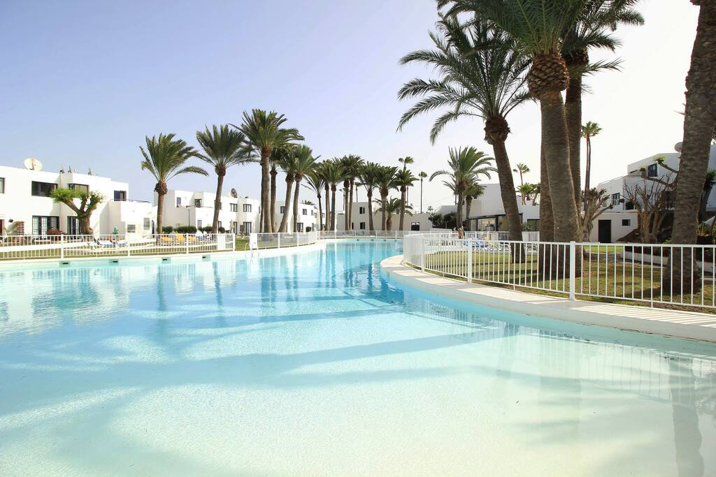 Beach style pool