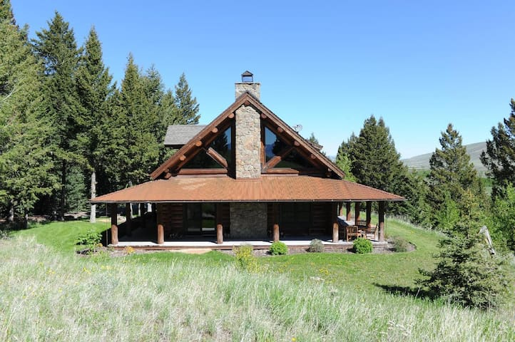 Towering Pines - Stunning Log Home in Sun West Ranch