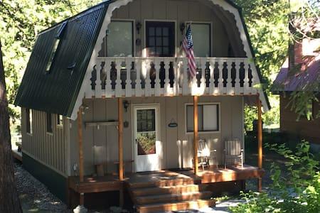 Riverside cabin in Plain, WA - Leavenworth