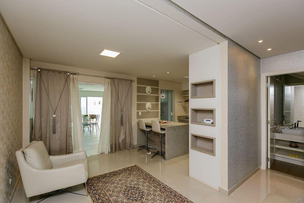 Sala + Pedaço Da Cozinha + Pedaço Área Externa