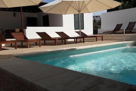 Villa El Capitán, Playa Blanca    Lanzarote