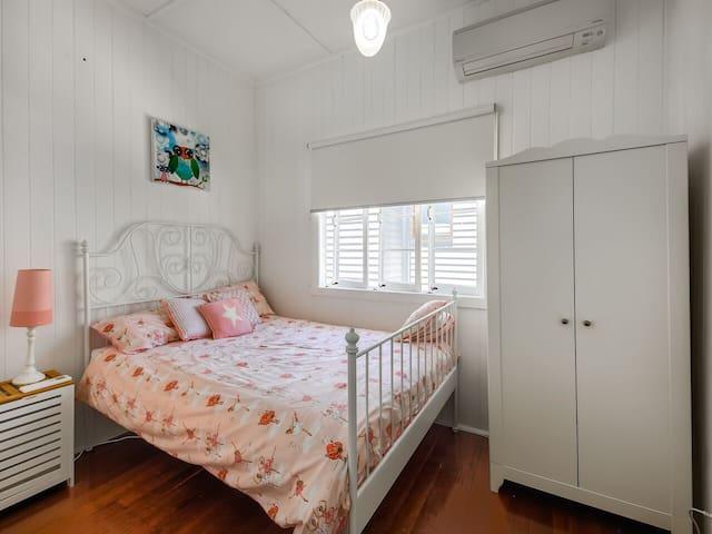 Bedroom 5,  double bed, wardrobe & A/C