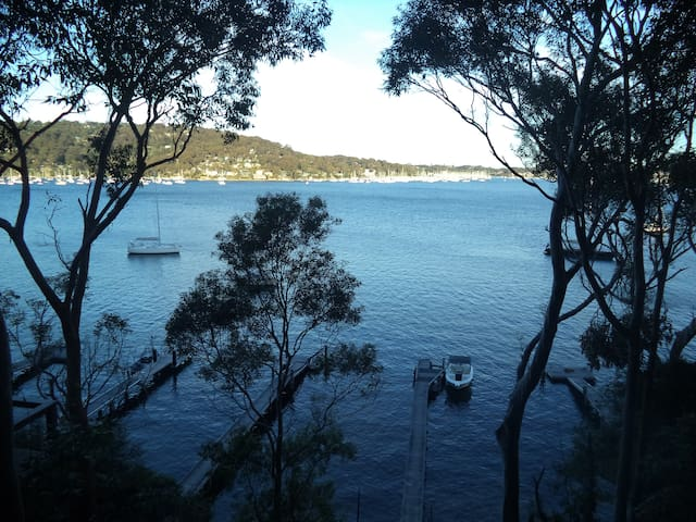 Luxury Island Waterfront on Pittwater