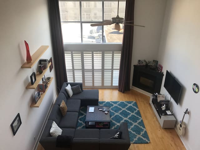 Large spacious multi-level loft in South of Market