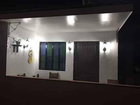 HEIDI'S CABIN 2- Cozy Modern Studio