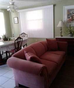 Studio apartment in downtown Tarpon Springs! - Appartement