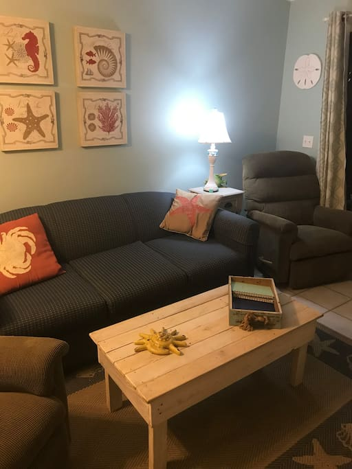Queen sofabed and 2 comfy recliners in the living room