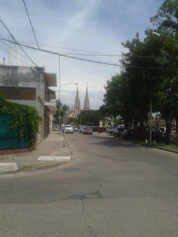 Casa en Pleno Centro de Luján, Argentina. - Luján - Dům