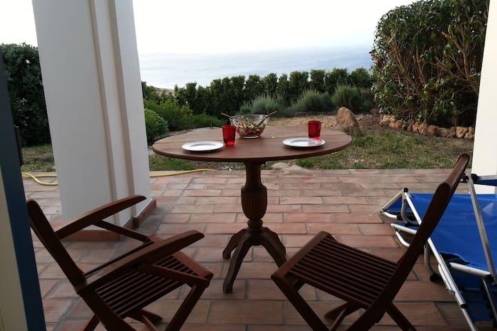 Villa con giardino, in tranquilla zona panoramica