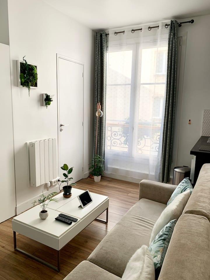 Beau studio parisien