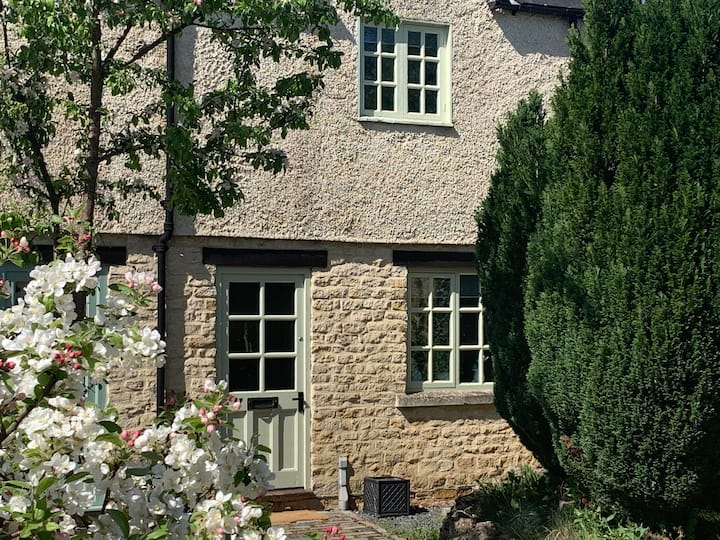 Tidford Cottage, Your Gateway to the Cotswolds