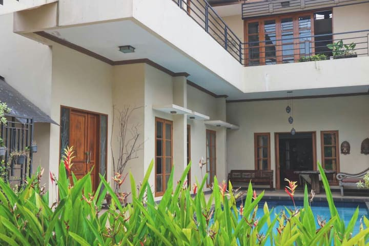 Private Suite, Kitchen, Living Room, Pool Access