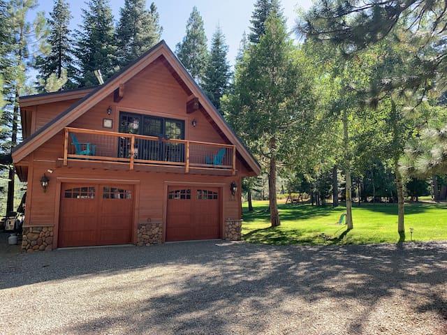 Brand NEW Listing- Johnsville Cabin
