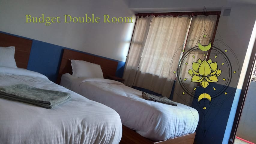 Budget Double Room/Good Hotel with Nepali kitchen