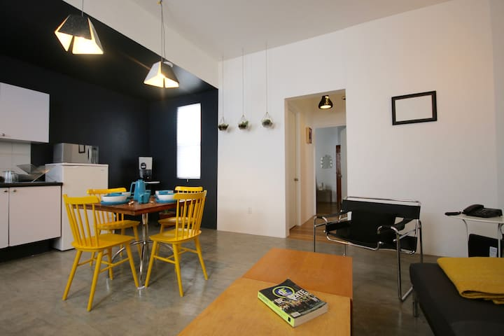 Great apartment in trendy zone