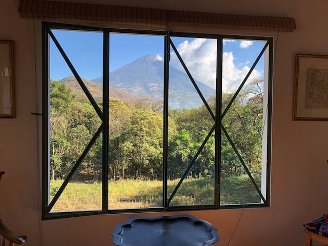 All the bedrooms have n amazing view of the volcano Agua