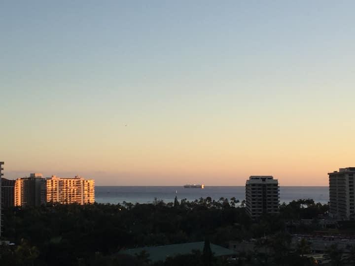 Wake up in the Sky -Private Studio in Waikiki